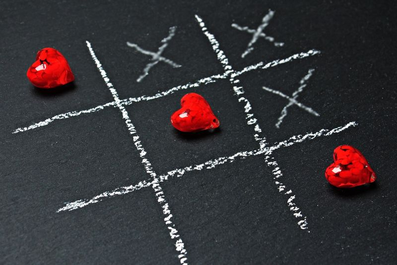 tic tac toe with hearts