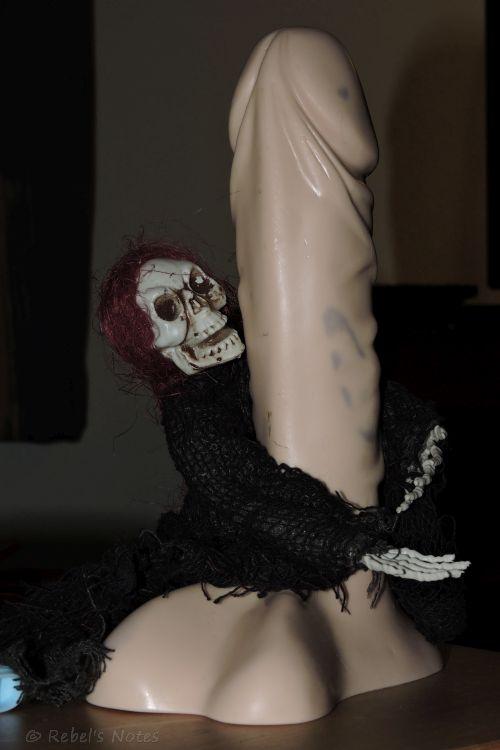 20150214-206wm dildo skelly