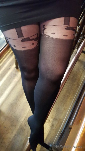 20150919-007wm hello kitty tights