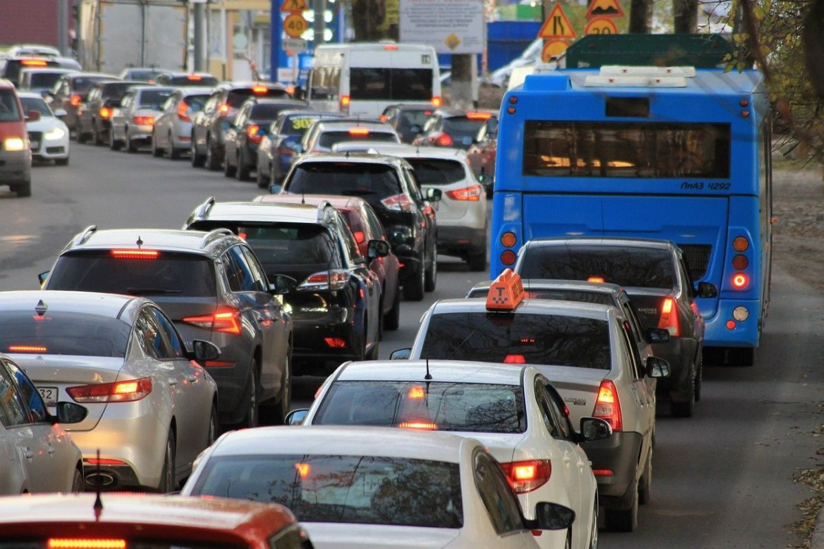 An image of cars piled up in a traffic jam.
